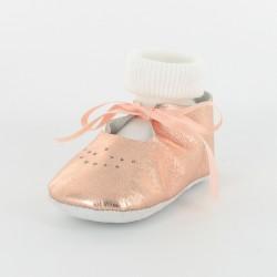 Chausson bébé ballerine cuir métallisé avec chaussette - saumon