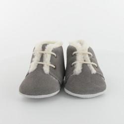 Chausson bébé en croûte velours avec lacet - Gris